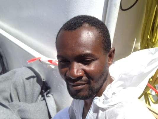 Aker a fui le Cameroun avec sa famille, rejeté pour avoir épousé une femme d'une ethnie différente de la sienne.