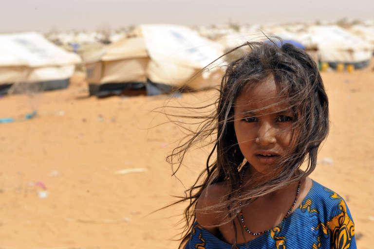 Une fillette dans le camp de réfugiés de M'Bere, dans le sud de la Mauritanie.
