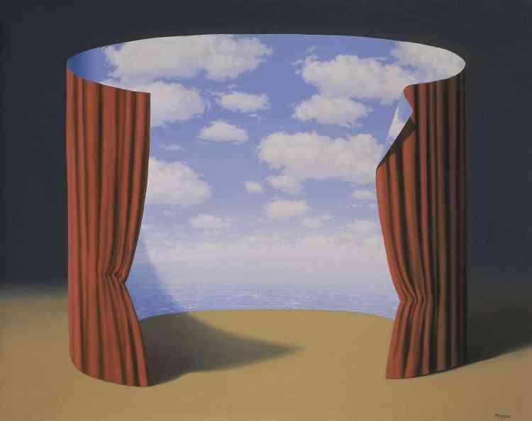 «Associant le tambour du panorama et les rideaux du théâtre, Magritte crée l'oxymore visuel d'un trompe-l'œil qui, à l'instar des rideaux de Parrhasios, se dénonce comme trompeur.»