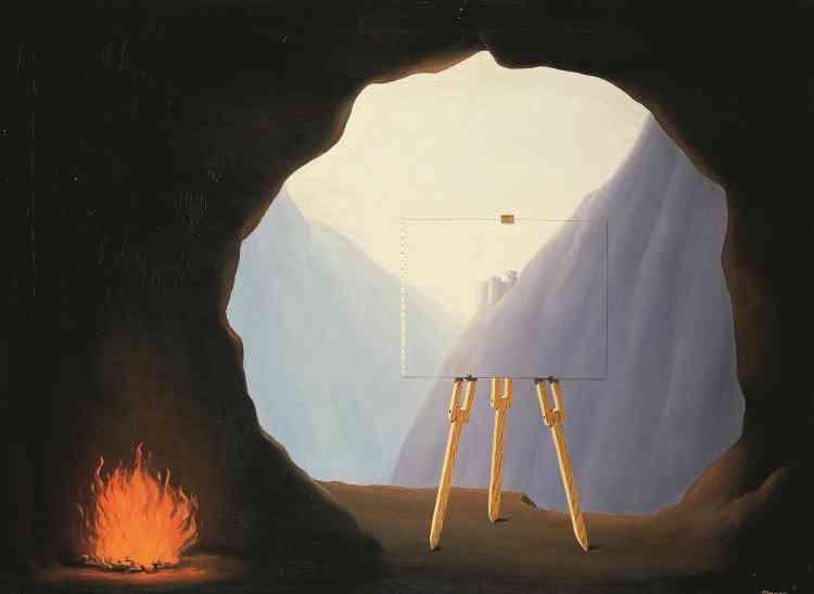 «Rarement Magritte aura été aussi proche d'une illustration littérale de l'allégorie de la caverne de Platon. Le théâtre d'ombres qui, dans le récit du philosophe, constitue la fausse représentation du monde, est ici remplacé par une toile posée sur un chevalet. L'associant à la grotte, c'est bien l'illusion réaliste portée par la peinture que Magritte désigne ici comme étant fallacieuse. »