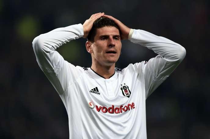 Le footballeur Mario Gomez, à Istanbul, en novembre 2015.