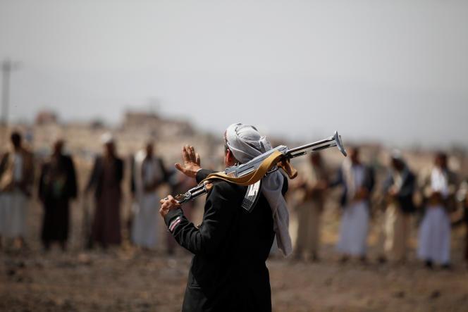 Des milicien houthistes près de Sanaa le 21 juillet.