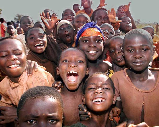 De jeunes burundais, en Tanzanie.
