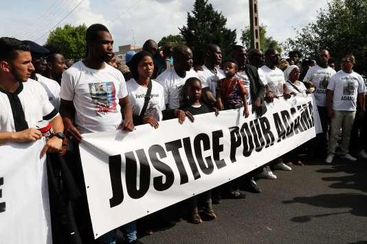 Un rassemblement en mémoire d'Adama Traoré, à Beaumont-sur-Oise, le 22 juillet 2016.