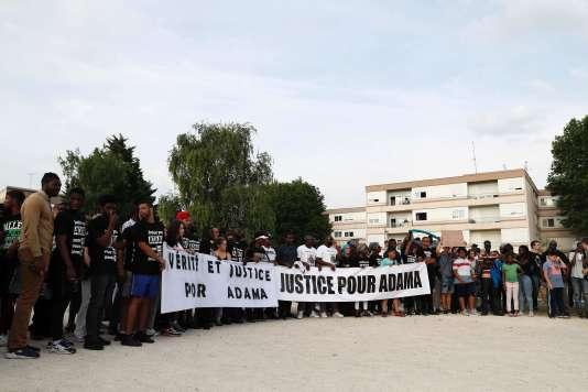 Marche blanche à la mémoire d'Adama Traoré, le 22 juillet, à Beaumont-sur-Oise.