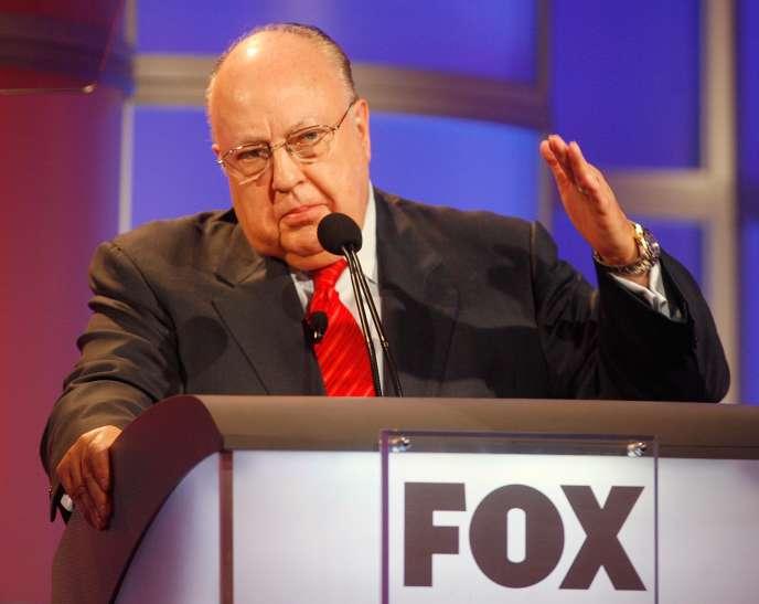 Accusé de harcèlement sexuel par une ancienne présentatrice, Gretchen Carlson, le père fondateur de Fox News, Roger Ailes (ici en 2006),a été contraint à la démission.