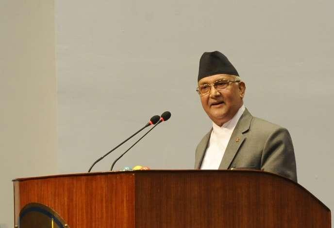 Le premier ministre du Népal, KP Sharma Oli, devant le Parlement de Katmandou, le 24 juillet.