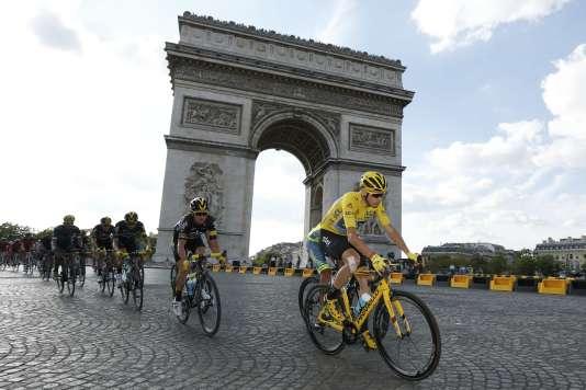 Le parcours de la 104e édition du Tour de France a été dévoilé mardi 18octobre, au Palais des Congrès à Paris