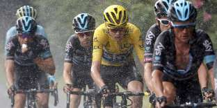 Cycling - Tour de France cycling race - The 146.5-km (91.5 miles) Stage 20 from Megeve to Morzine, France - 23/07/2016 - Yellow jersey leader Team Sky rider Chris Froome of Britain rides with team mates during the stage. REUTERS/Juan Medina TPX IMAGES OF THE DAY