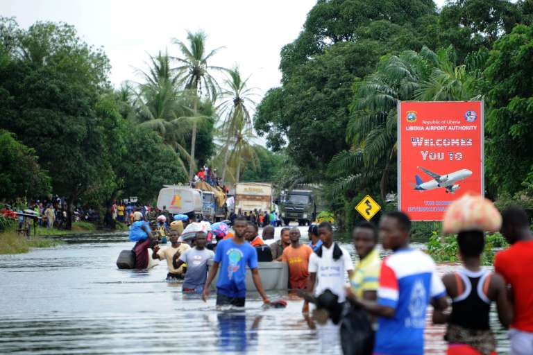 A West Point, le plus grand bidonville du Liberia ravagé par la montée des eaux, le 1er juillet 2016.