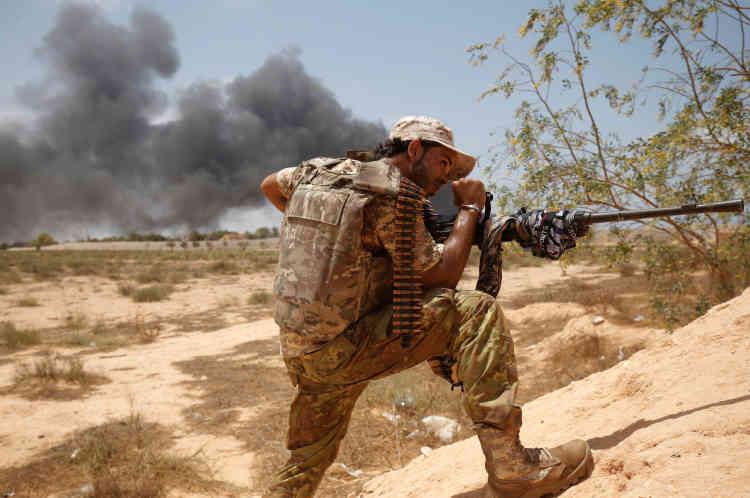 Les forces du gouvernement d'union soutenu par l'ONU tentent de reprendre la totalité de Syrte, dans laquelle elles sont entrées le 9 juin et où elles assiègent depuis les djihadistes.