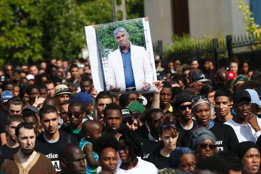 Marche blanche à Beaumont-sur-Oise en hommage à Adama Traoré, le 22 juillet.