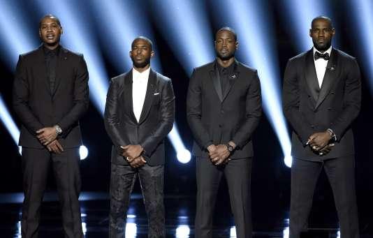 Le 13 juillet, les stars NBA Carmelo Anthony, Chris Paul, Dwyane Wade et LeBron James donnaient un discours contre la violence policière aux ESPY Awards de Los Angeles.