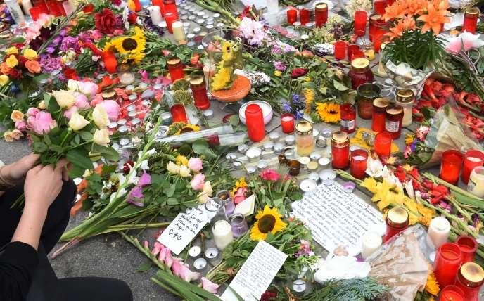 Un mémorial près du centre commercial de Munich où a eu lieu l'une des attaquesqui ont frappé l'Allemagne au mois de juillet.