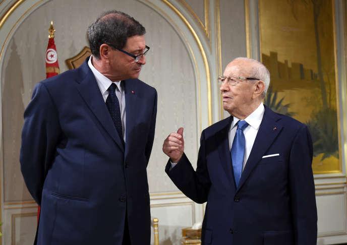 Habib Essid et Béji Caïd Essebsi à Tunis, le 12 janvier 2016.