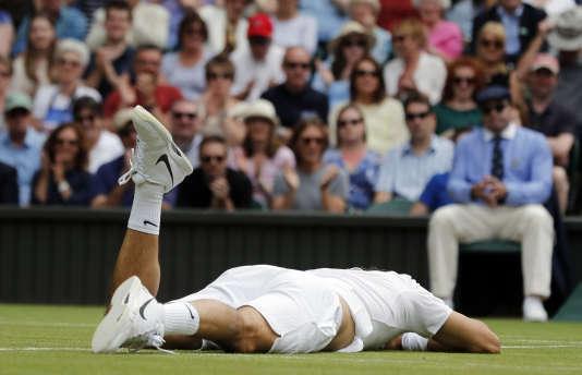 Le joueur de tennis suisse Roger Federer après sa défaiteen demi-finale contre le Canadien Milos Raonic à Wimbledon début juillet.