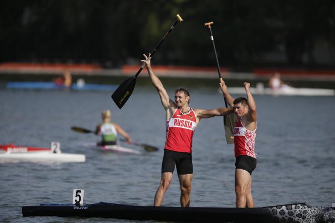 Andreï Kraitor, à droite, lors des championnats du monde de canoë-kayak, en août 2014.