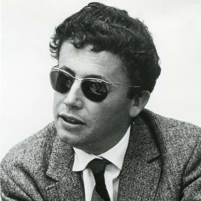 Jean Ricardou estné le 17 juin1932 à Cannes, dans les Alpes-Maritimes.