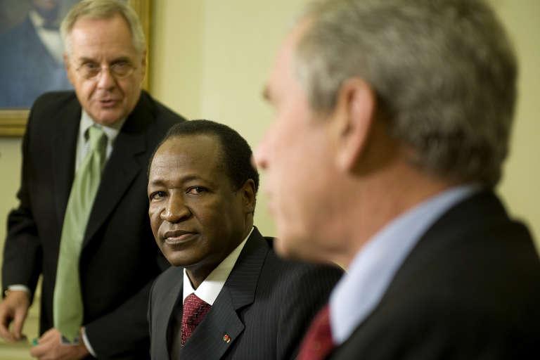 Le président du Burkina Faso, Blaise Compaore, et son homologue américain, George W. Bush, à Washington en juillet 2008.