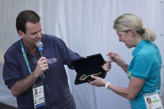 Le maire de Rio, Eduardo Paes, réclame l'injection de fonds publics dans l'organisation des Jeux paralympiques.