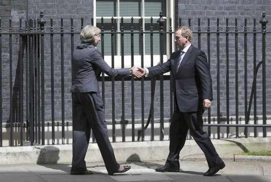 Theresa May et le premier ministre irlandais, Enda Kenny, au 10 Downing Street, le 26 juillet 2016.