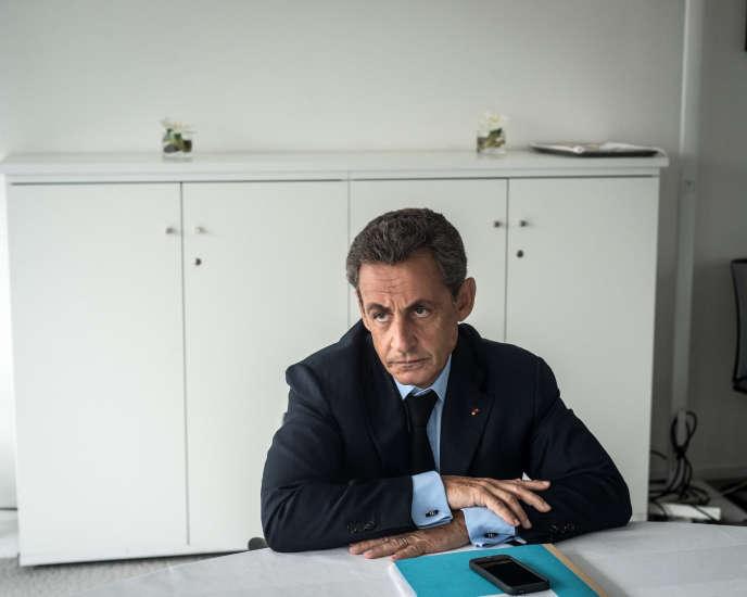 Nicolas Sarkozy au siège du Parti Les Républicains à Paris le 26 juillet 2016.