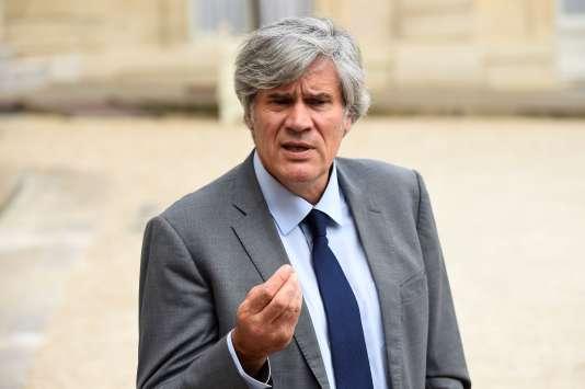 Le ministre de l'agriculture, Stéphane Le Foll, le 27 juillet à la sortie du conseil des ministres.