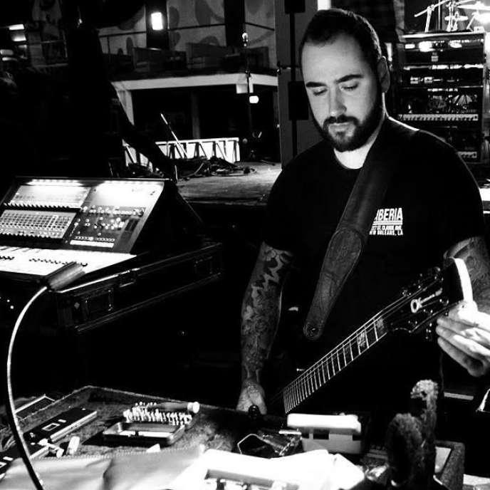 Taylor Bingley, «guitar tech» du groupe de metal Gojira.