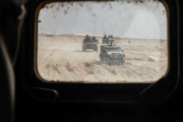 Des véhicules de Barkhane en patrouille à Tessalit, au nord du Mali.