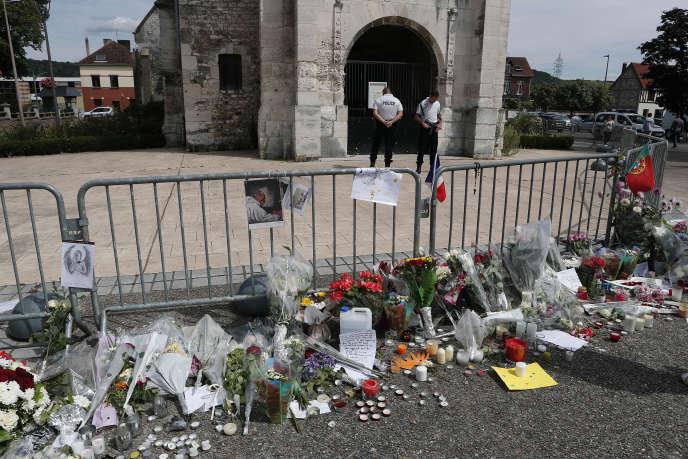 Le 26 juillet 2016, deux jeunes djihadistes avaient égorgé le père Jacques Hamel dans une église de Saint-Etienne-du-Rouvray, près de Rouen.
