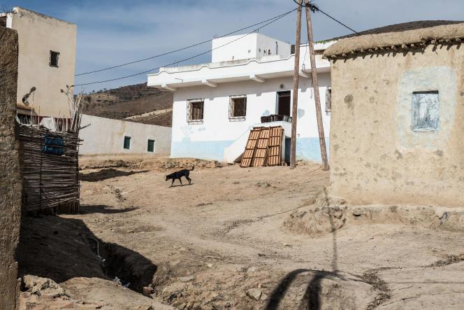Wahran, hameau niché dans le Rif où seule la mosquée est neuve.