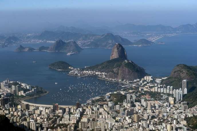 Le Mont du Pain de sucre, à Rio de Janeiro (Brésil), en juin.