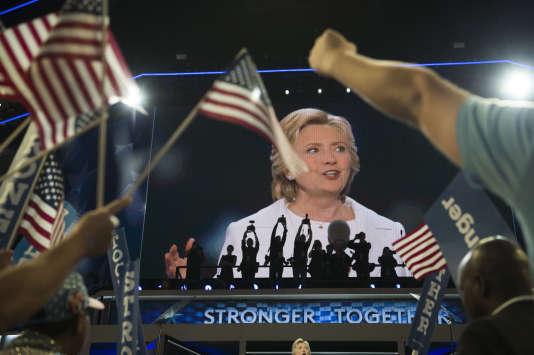 Hillary Clinton lors de son investiture par le parti démocrate, à Philadelphie, le 28 juillet.