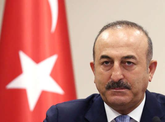 Mevlüt Cavusogluexige la libéralisation des visas européens pour les citoyens de son pays.