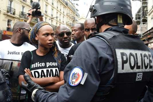 Assa Traoré, la sœur d'Adama Traoré, à Paris le 30 juillet.