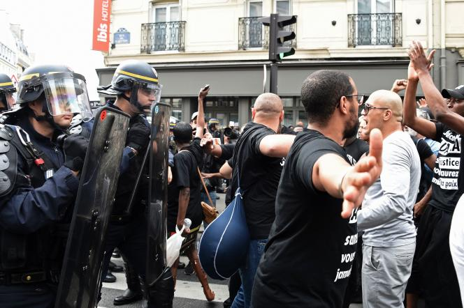 Une rassemblement à sa mémoire, prévu à Paris, n'a pu avoir lieu.
