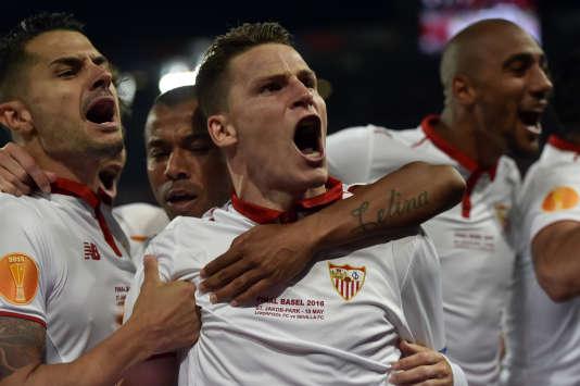 Kevin Gameiro (au centre), le 18mai, lors de la finale de Ligue Europa remportée par le FCSéville.