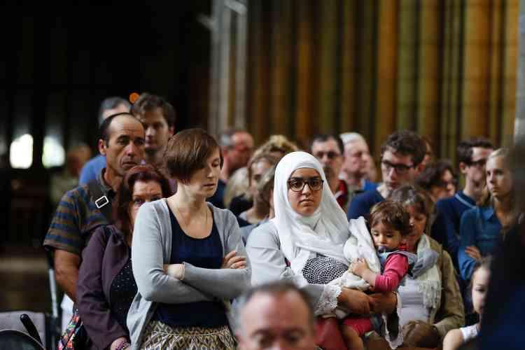 LeConseil français du culte musulman (CFCM) avait invité responsables de mosquées, imams et fidèles à se rendre à la messe pour exprimer « solidarité et compassion ».
