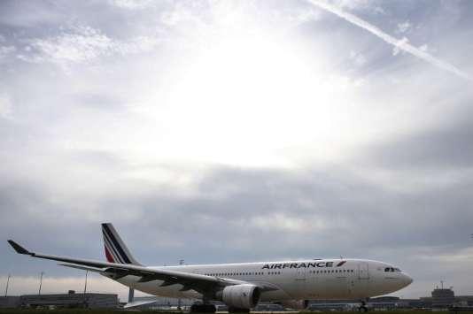 Plus de 900 vols ont été annulés depuis le début de la grève, mercredi 27 juillet, selon la compagnie qui évalue à «quelques dizaines de millions d'euros»son impact financier.