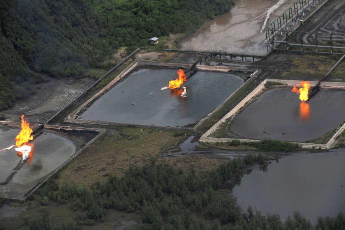 Reserve de pétrole de la raffinerie de Shell Cawtharine Channel, à proximité du pipeline de Nembe Creek, dans le delta du Niger, en 2013