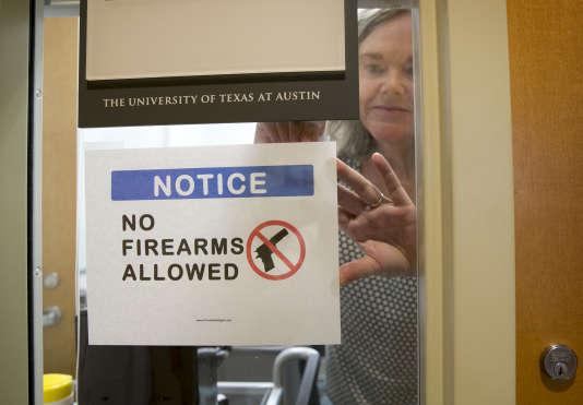 Huit Etats américains autorisent désormais le port d'une arme à feu dans les universités.
