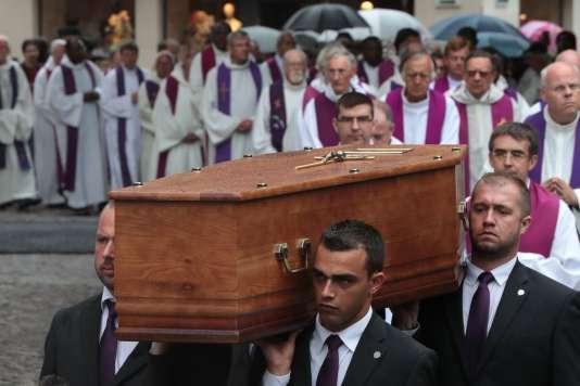 Dans la cathédrale de Rouen, le 2 août, lors des obsèques de Jacques Hamel.