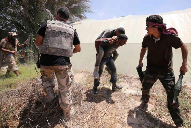 Depuis le 12 mai, le bilan s'établit à 354 tués et 2 000 blessés dans les rangs des forces soutenues par le gouvernement syrien .