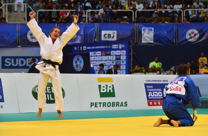 Majlinda Kelmendi, en 2013, lors de son premier titre mondial, à Rio.