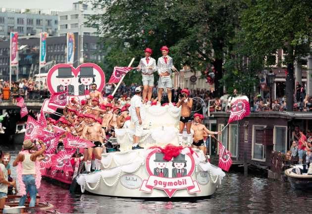 Entre 200 000 et 400 000 personnes sont attendues dans le centre historique d'Amsterdam.