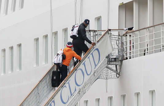 DeMarcus Cousins et Carmelo Anthony embarquent à bord du Silver Cloud, le 3 août à Rio.
