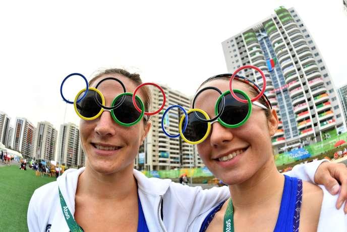 Les judokas américaines, Marti Malloy et Angelica Delgado, à Rio de Janeiro, le mercredi 3août.