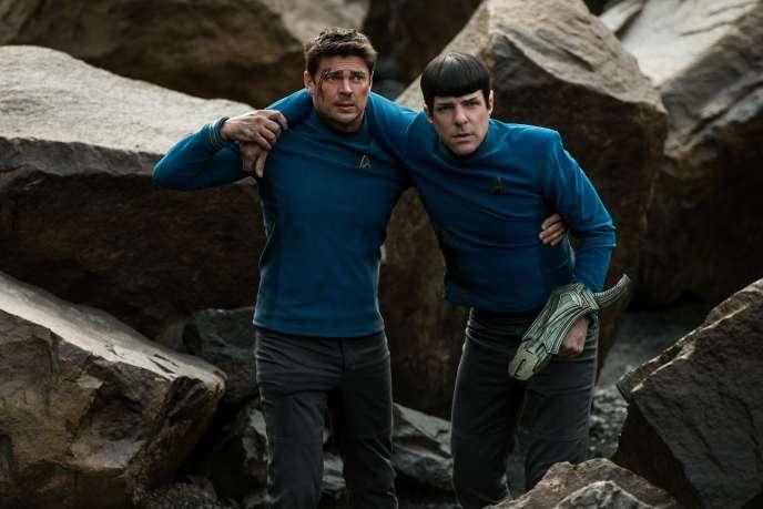 Karl Urban et Zachary Quinto dans le film américain de Justin Lin, «Star Trek, sans limites».