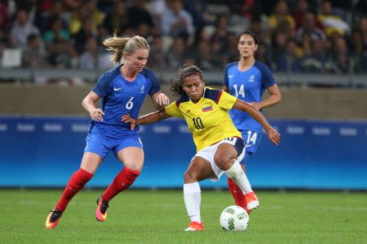 Amandine Henry, présente à Rio avec l'équipe de France, est nommée pour le trophée UEFA de meilleure joueuse de la saison.