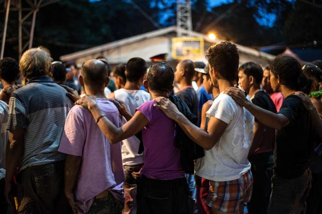 Men suspected of drug trafficking and drug users surrender to police in Manila, Philippines, June 22, 2016.